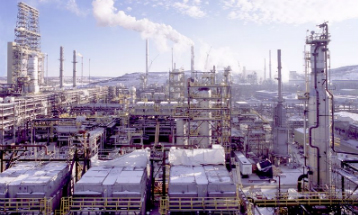 As Alberta's oil sands climb back to 2006 operating levels, manufacturers outside the province have an opportunity to capitalise. PHOTO Suncor Energy Inc.