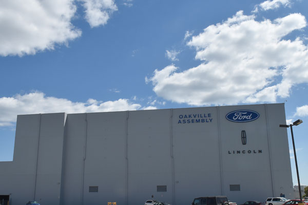 Ford adding 1 000 jobs at oakville ont assembly plant for Ford motor company human resources