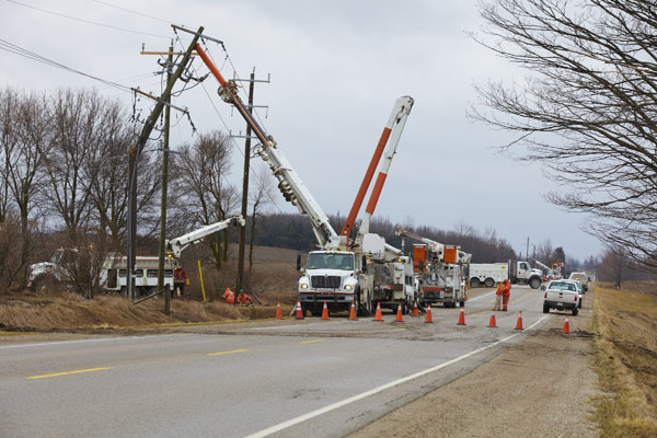 Hydro One crews replace wooden poles in Ontario. PHOTO Hydro One