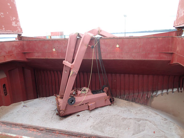 Safety regulators say a broken slewing ring bearing led to the collapse of a cargo crane aboard a ship in Quebec in August. PHOTO TSB