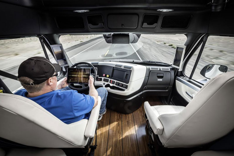 daimler unveils self driving transport truck in nevada canadian manufacturing. Black Bedroom Furniture Sets. Home Design Ideas
