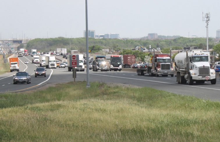 A local business is  fighting to get the 401 expansion to include a bridge that would level the grade of a 3.5 km stretch between Mississauga Rd. and Mavis Rd. PHOTO: Jeff Wimbush