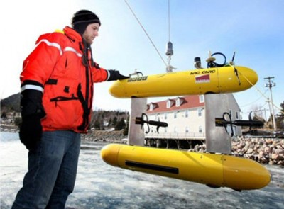 Kraken vice-president of engineering, David Shea, overseeing the deployment of the company's newly-acquired SQX-500 Unmanned Underwater Vehicle. PHOTO: Kraken