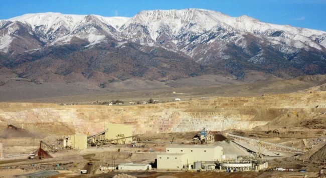 Round Mountain gold mine in Nevada. Kinross will acquire a 50 per cent stake in the project, as well as a 100 per cent interest in the Bald Mountain mine. PHOTO: Kinross