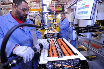 Employees prepare battery packs for Ford's C-MAX Hybrid and C-MAX Energi at the company's Rawsonville plant in Ypsilanti, Mich. PHOTO: Ford