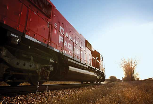 CP Rail announced Jan. 21 that it would cut 1,000 jobs, following recording best-ever profits and revenue for 2015. PHOTO: CP Rail