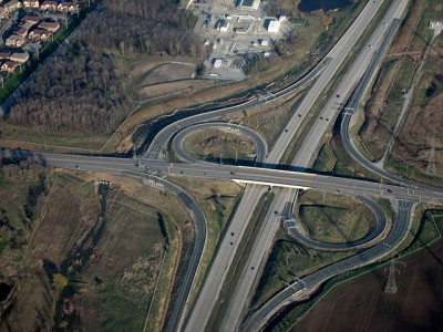 """With billions being dedicated to infrastructure in 2016, the think tank says it is """"critical"""" governments invest in smart projects. PHOTO:  SimonP, via Wikimedia Commons"""