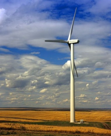 Suncor is also actively investing in renewable technologies, such as the Magrath Wind Power Project. PHOTO: Suncor