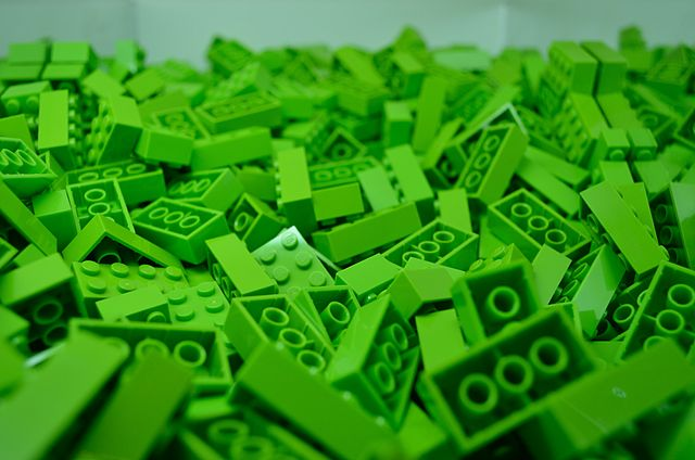 Lego plans to open a centre to research and deveop methods for manufacturing its bricks more sustainably in 2018.