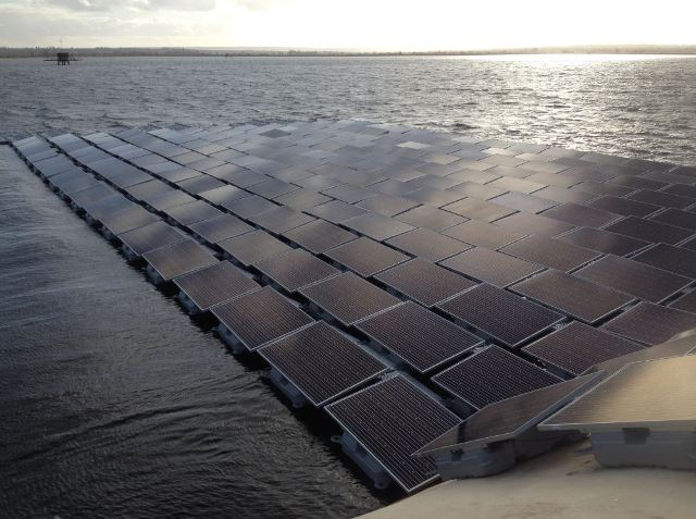 Lightsource is nearing completion on the U.K.'s largest floating solar plant, build on top of Queen Elizabeth Reservoir in London. PHOTO: Lightsource
