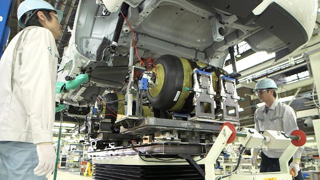 The Toyota Mirai fuel cell vehicle on the production line at the fuel cell stack installation stage. PHOTO: Toyota