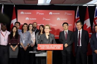 Ont. Premier Kathleen Wynne announces the investment At Huawei's Canadian headquarters in Markham. PHOTO: Government of Ontario