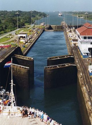 The Gatun Locks, part of the original canal, which opened in 1914. PHOTO: Stan Shebs, via Wikimedia Commons