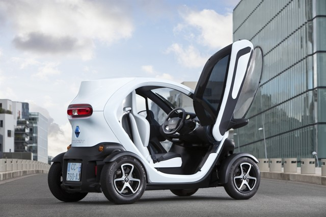 Renault S Oddball Electric Car Ready To Take Canadian City Streets Manufacturing