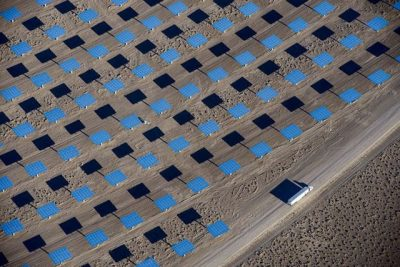 More than 10,000 heliostats direct sunlight toward a thermal solar tower at SolarReserve's Crescent Dunes plant. PHOTO: SolarReserve