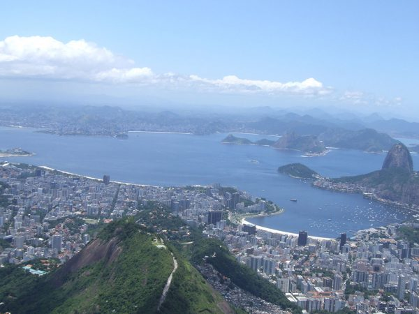 View of Guanabara bay with Niteroi at the back and Botafogo cove in the front right. PHOTO: Dkoukoul,  Wikimedia Commons