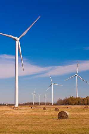 Wind energy developments have become controversial topics in a number of Ontario municipalities. PHOTO: Ernesto Andrade, via Flickr
