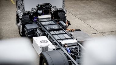 The truck is powered by electric motors adjacent to the wheel hubs, which draw their power from  three lithium-ion battery modules built into the frame. PHOTO: Mercedes