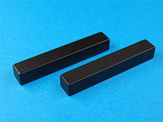 The new magnets free of heavy rare earth metals perform similarly to conventional neodymium magnets. PHOTO:Honda/Daido