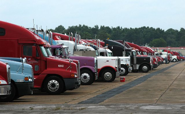 U.S. adopts stricter fuel standards for heavy trucks ...