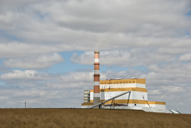Despite strides in carbon capture technology the federal plan puts Saskatchewan's coal power plants at risk. PHOTO: BriYYZ, via Flickr