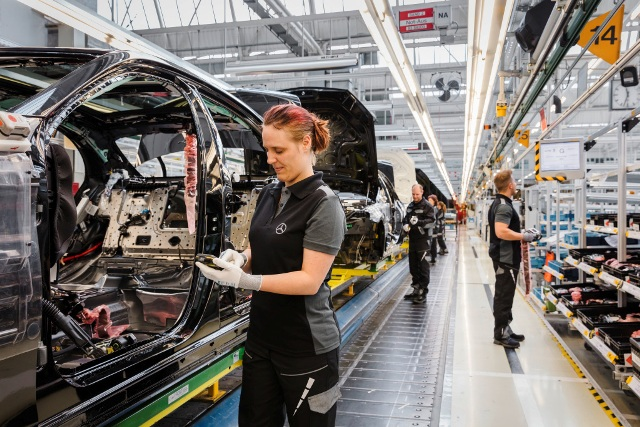 Mercedes benz to build first russian assembly plant for Mercedes benz manufacturing