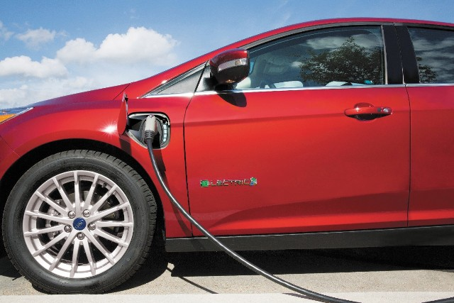 Canada Has Been Pushing Drivers To Adopt Electric Vehicles For Years But So Far Car Buyers Have Been Reluctant To Ditch Their Gas Andsel Vehicles