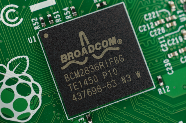 Broadcom makes another Qualcomm offer