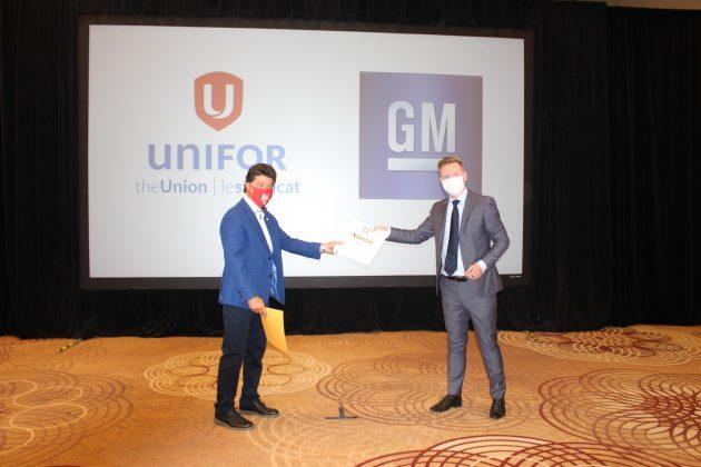 Unifor warns against COVID concessions as Big Three negotiations begin